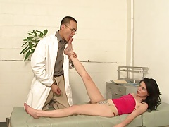 Jessie Palmer doctor visit and foot touching