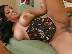 Latina Kiara Mia sideways fucked at the office