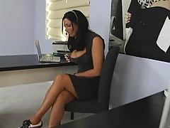 Phone sex hottie comes to her client