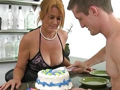 Milf havin a birthday cake followed by birthday cock sucking