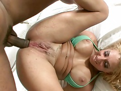 Julia Fontanellia takes it up the ass anal fuck