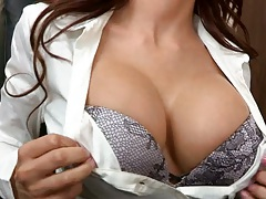 Aleksa Nicole showing her bra at the office seducing worker