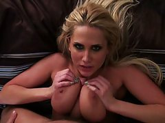 Alanah Rae titty fucking and squeezing her tits