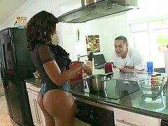 Round ass Deerida in the kitchen