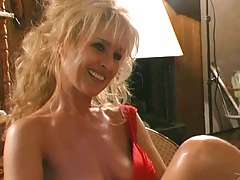 Mia blond mature busty mom enjoys a threesome like ever