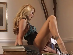 Milf jessica drake gets a pussy licking job on the office table