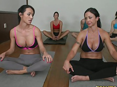 CFNM with Jewel at yoga class