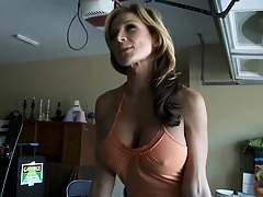 Milf lured a male in for some sunday sex