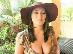 Big tits milf Selina and yes those are fucking real