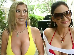 Big tits Phoenix Marie and Diamond Kitty with Sara Jay going to college dorm