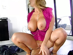 Reverse cowgirl milf sex with mature and busty Sara Jay