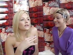 Blonde lesbians Alexis Texas and Belladonna