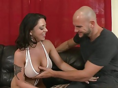 Big tits Melina Mason wearing sexy bra and panties gets licked out